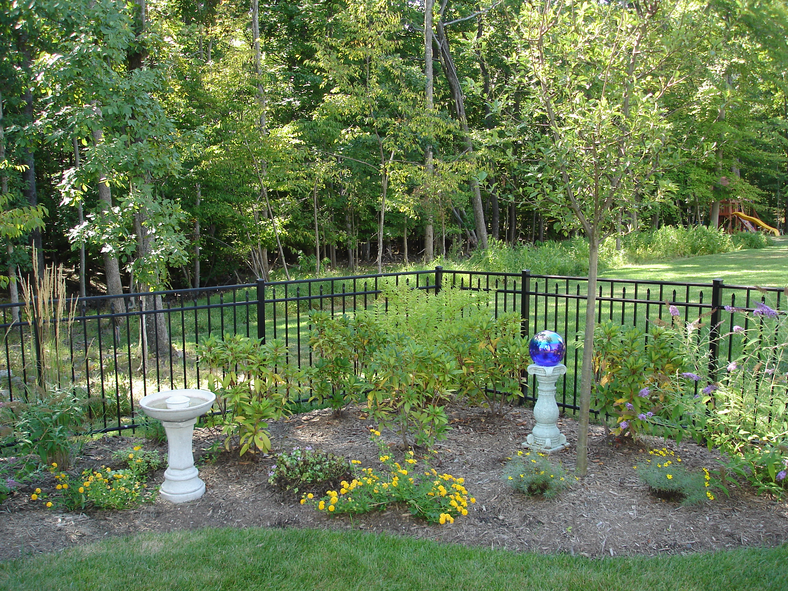 6 tips for preparing your yard for fence installation for Fence installation tips