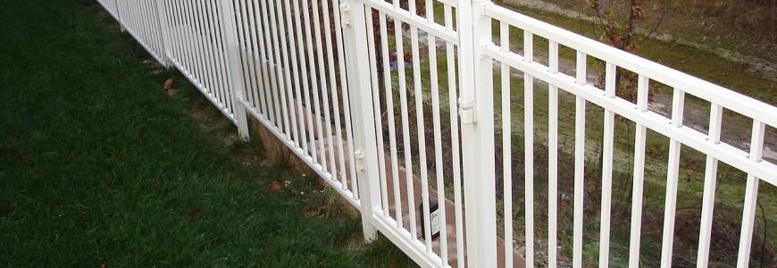 white aluminum fencing