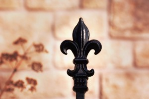 Ornamental fence finial
